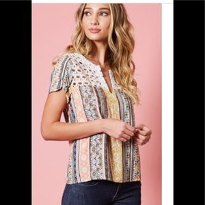 Available by Angela multi media retro look top Med